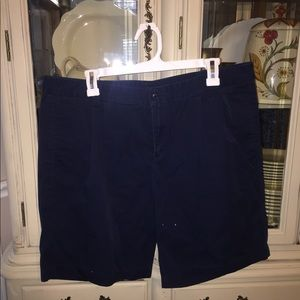 Lands' End plus size Pleated Chino Shorts 18